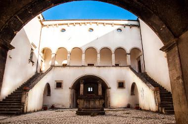 Naturale 2015 a navelli - La prima fiera del vino artigianale in Abruzzo 10 11 Maggio 2014, Palazzo Santucci, Navelli (AQ)