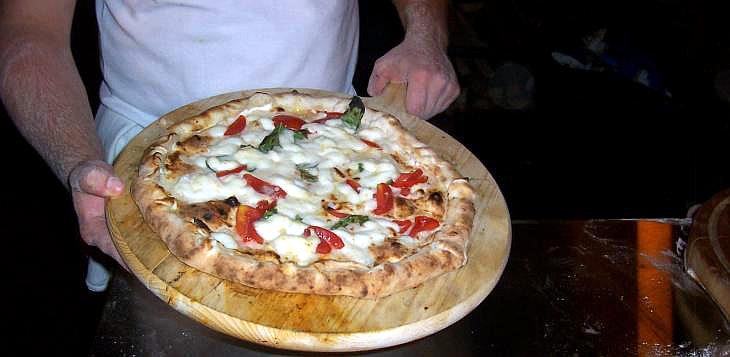 La riconoscibilità della pizza cornicione ripieno