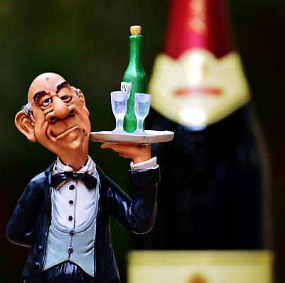frullatura della bottiglia cameriere