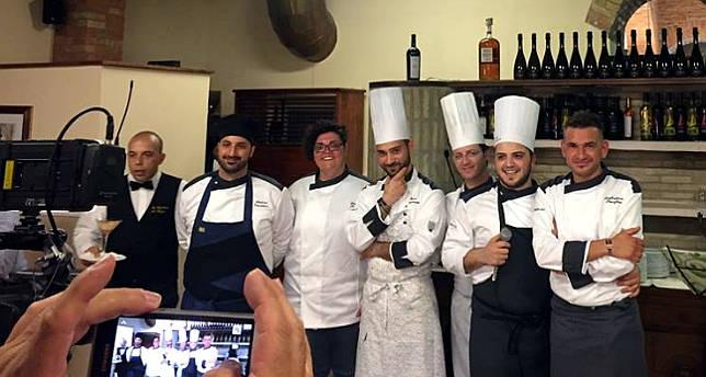 Diana Pia Pignatelli Figli di Pu...glia ristorante New Cantina del pozzo di Lucera