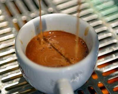 colazione napoletana caffè in tazzina