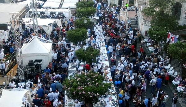 Cibo nostrum 2018 considerazioni folla di Taormina