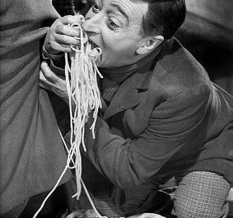 miseria e nobiltà gli spaghetti mimmo farina