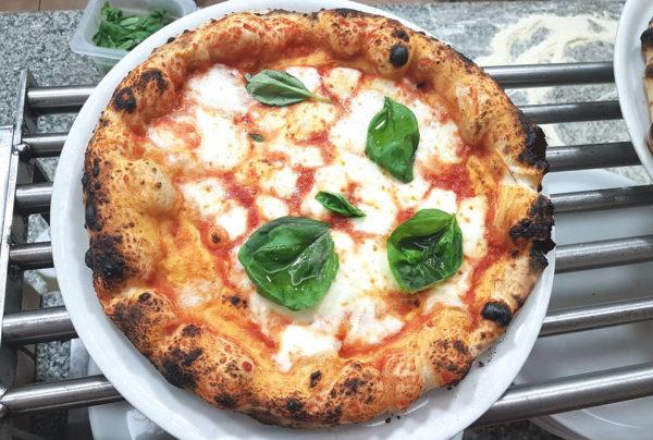 giancarlo casa pizzeria la gatta mangiona roma la margherita