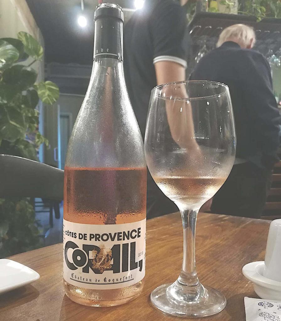Château de Roquefort Corail 2018 calice e bottiglia