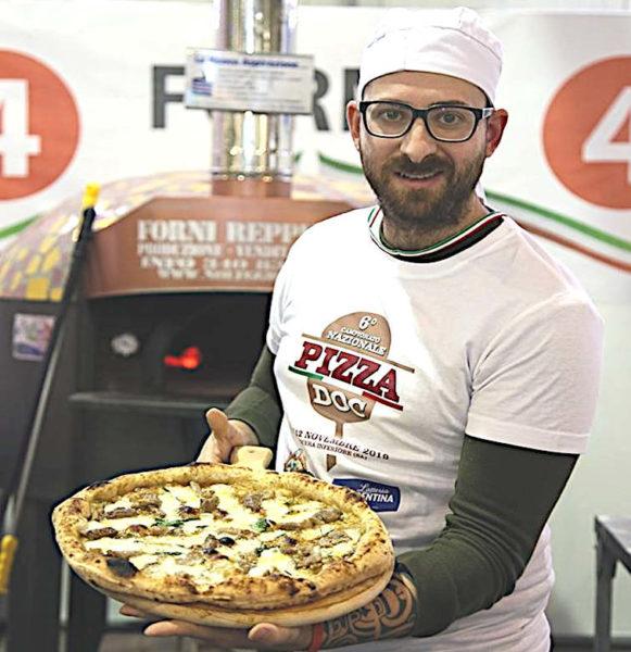 Gennaro cirelli vincitore sesto Campionato Nazionale Pizza DOC nocera inferiore