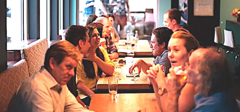 tavolate di uomini e donne rigidamente separate tavolata mista 2