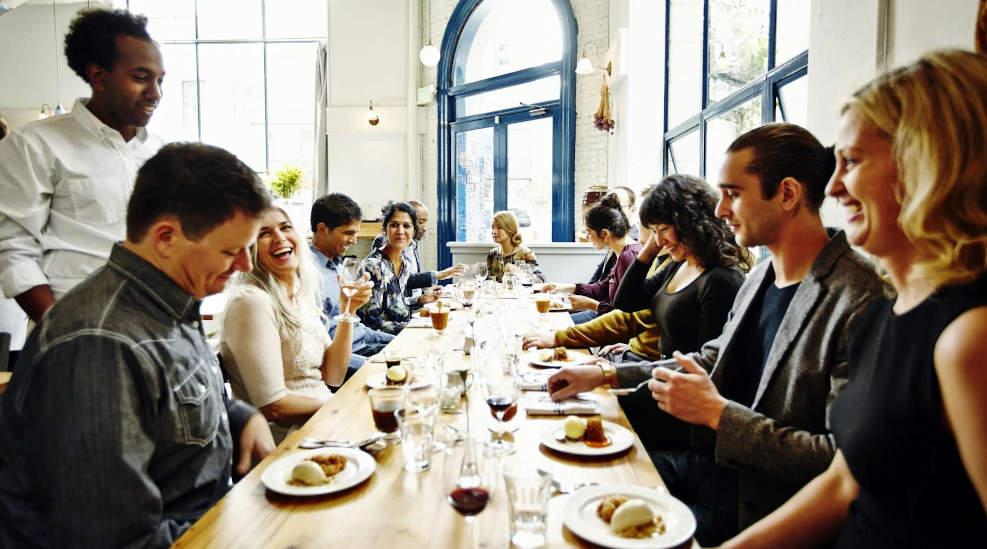 tavolate di uomini e donne rigidamente separate tavolata mista