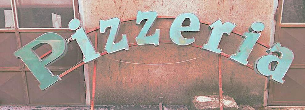 quanto costava mangiare una pizza negli anni 80 insegna www.gastrodelirio.it