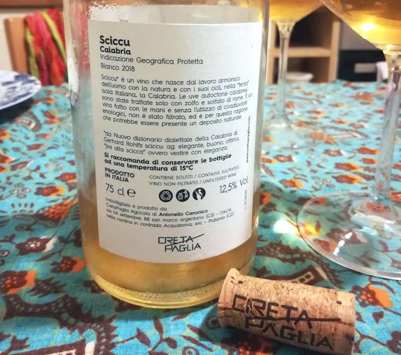 Sciccu cretapaglia etichetta retro e particolare del calice
