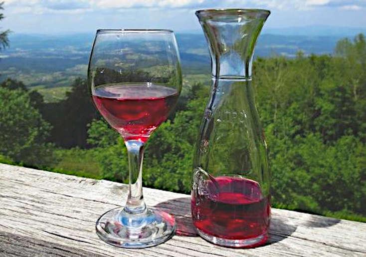 Perchè bevo vino naturale vino sfuso Italia e calice