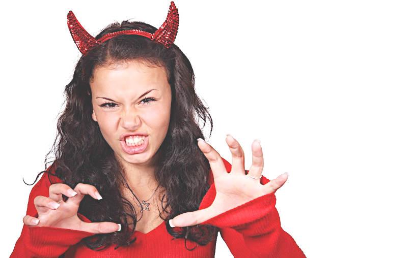 Non mi avvalgo della virtù cristiana del perdono diavolessa in azione