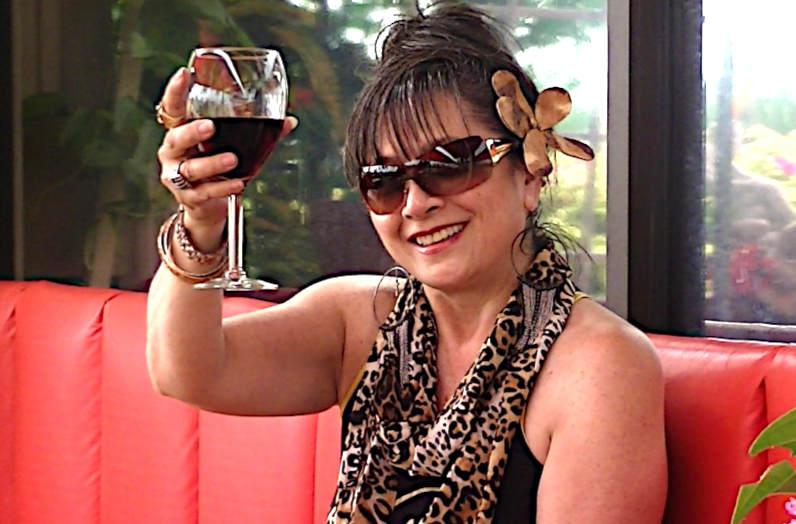 Non tutti i vini naturali sono per forza buoni donna che brinda