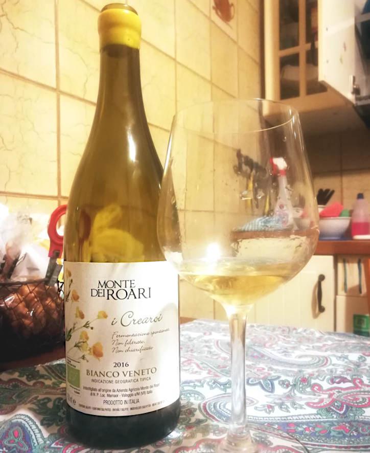 i crearoi I Crearoi Veneto Bianco IGT bottiglia e calice