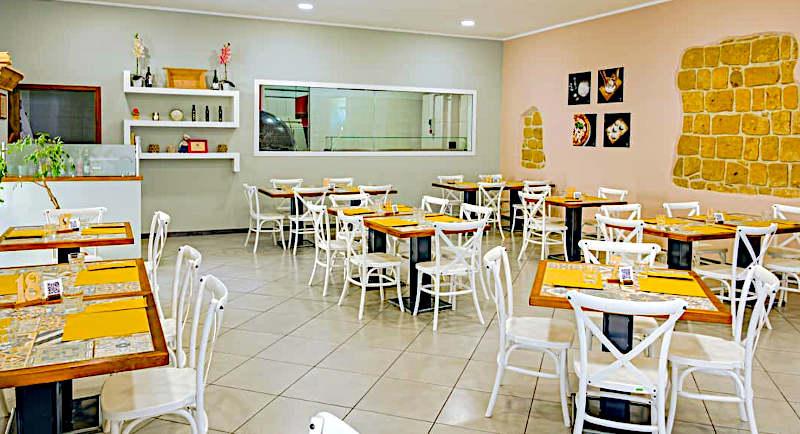 pizzeria del corso di pietramelara interno sala Cosimo Chiodi